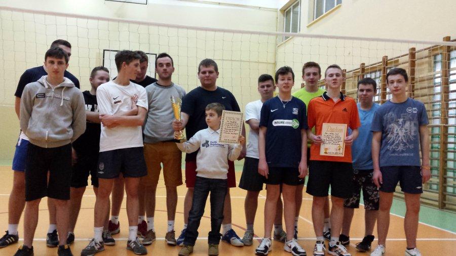 Wyniki turnieju piłki siatkowej o Puchar Dyrektora Publicznego Gimnazjum w Tuszowie Narodowym